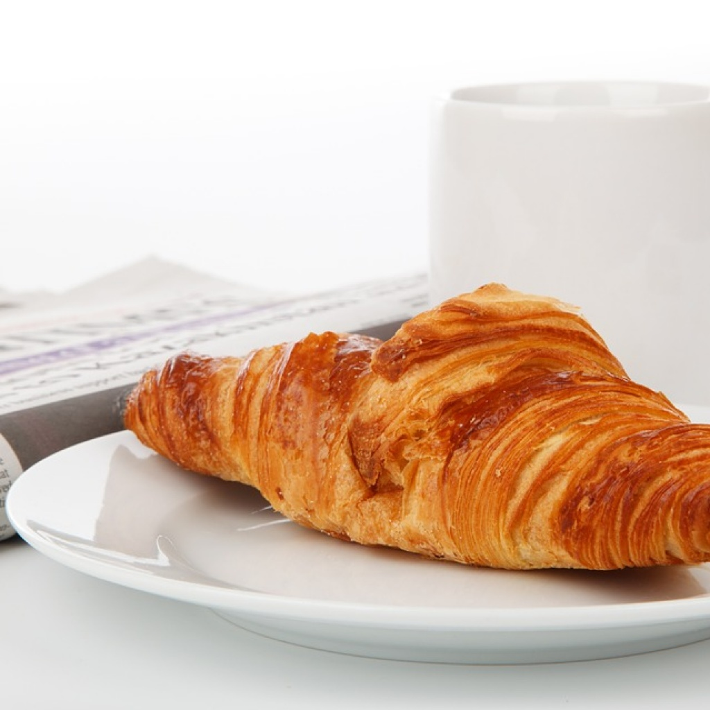 presa ziar cafea