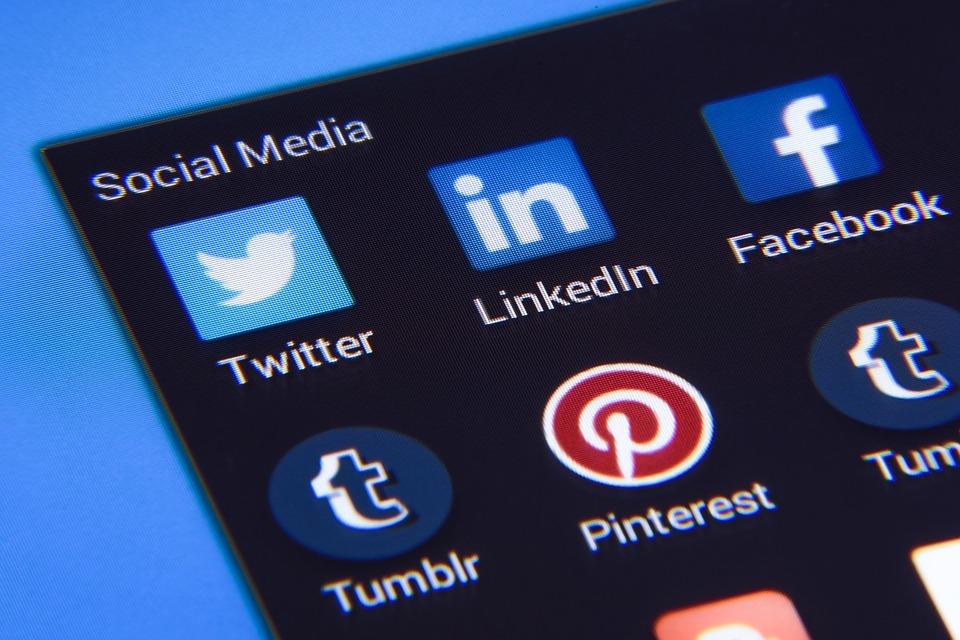 promovare prin social media